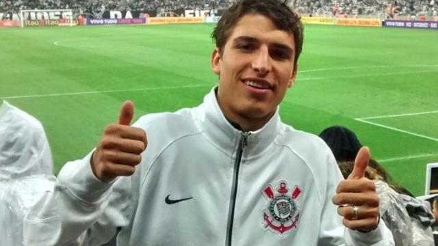 Corinthians desiste de contatar Felipe Prior do