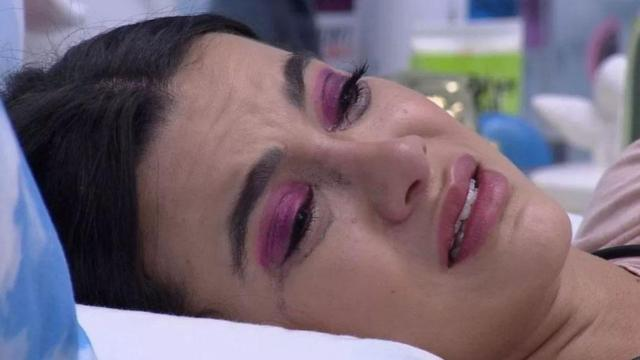 'BBB20': Manu sofre deboche de Prior por choro