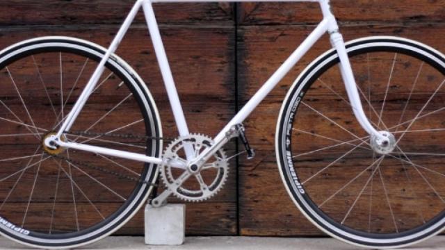 Modena, coronavirus: donna positiva al Covid-19 passeggiava in bicicletta