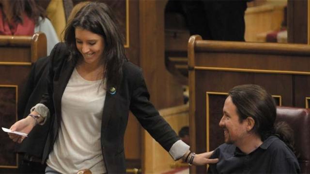 Alfonso Ussía asegura que el líder Pablo Iglesias es infiel a Irene Montero