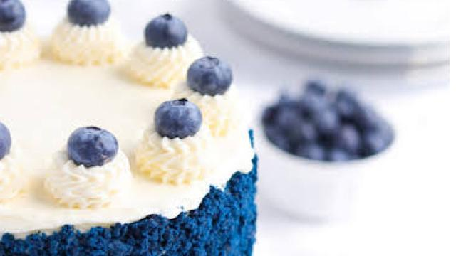 The blue velvet dump cake and its recipe