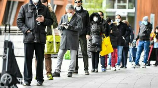 Legge, denunciata per aver simulato di avere la febbre per saltare la fila al supermercato