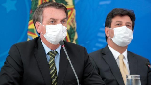 São registradas manifestações contra Bolsonaro e a favor de Mandetta