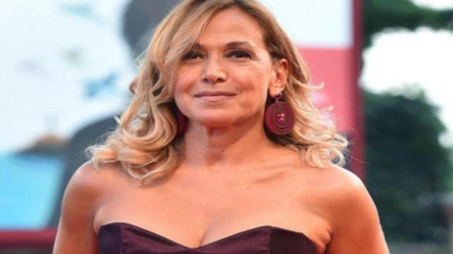 Barbara D'Urso, Tribunale di Napoli la rinvia a giudizio per diffamazione
