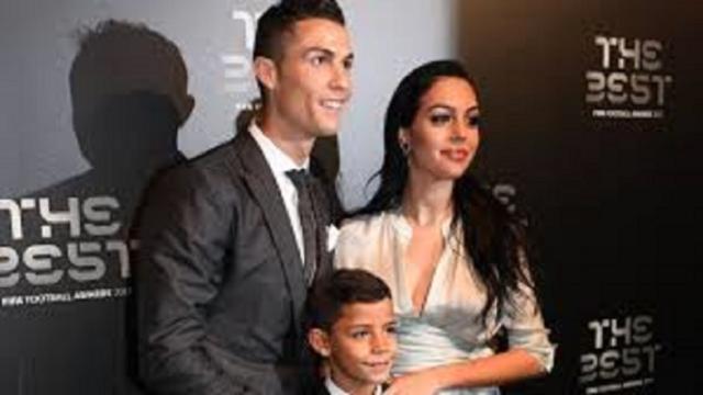 Cristiano Ronaldo se confine dans sa maison à 8 millions d'euros