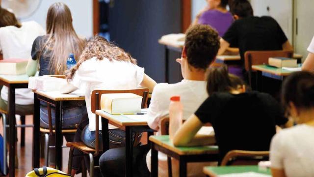 Maturità, possibile maxi prova orale se la scuola non riapre