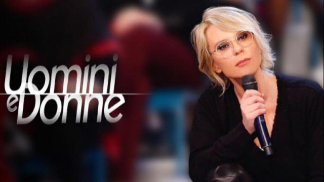Uomini e Donne: Raffaella Mennoia ha annunciato che il talk show tornerà