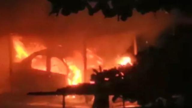 veiculo pega fogo em condomínio de São Paulo