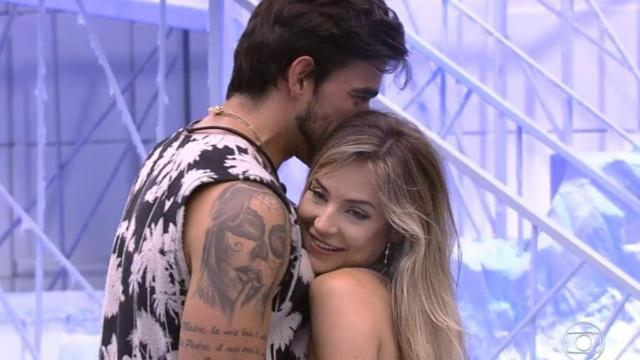 'BBB20': Fora do programa, Gabi Martins celebra sucesso e carinho dos fãs