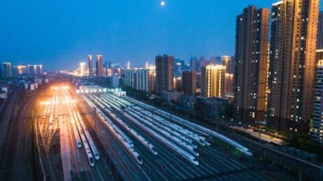 Wuhan recupera la normalidad con restricciones leves