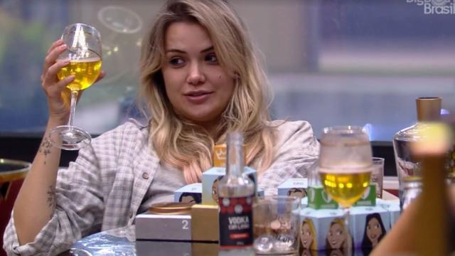 'BBB20': Marcela acha 'presentes' colocados por Gi em sua mala e 'xinga' sister