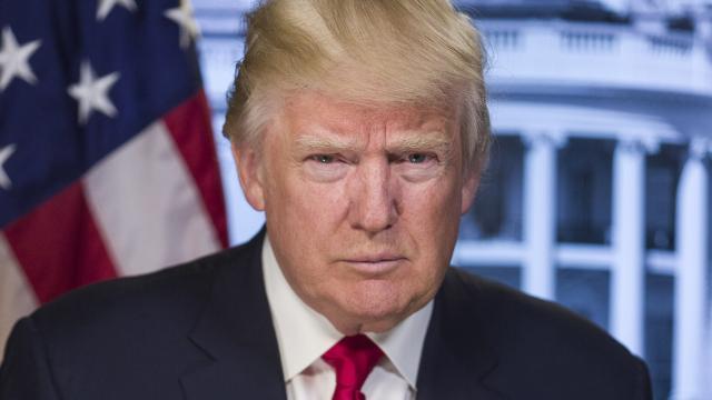 Trump dice que la OMS se equivocó con el coronavirus y amenaza con quitarle recursos