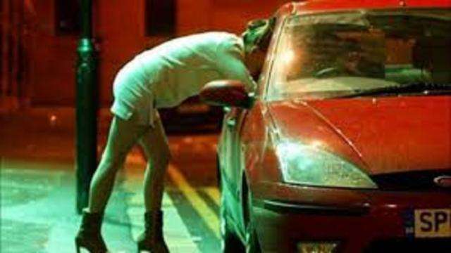 Prostitution : les travailleuses du sexe demandent de l'aide à l'Etat