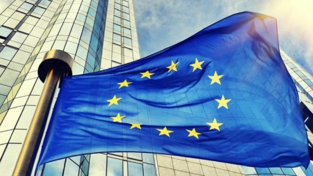 Europa: fumata nera per il MES, atteso domani nuovo summit