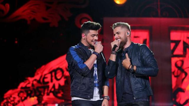 8 grandes cantores que farão 'lives shows' nesse final de semana