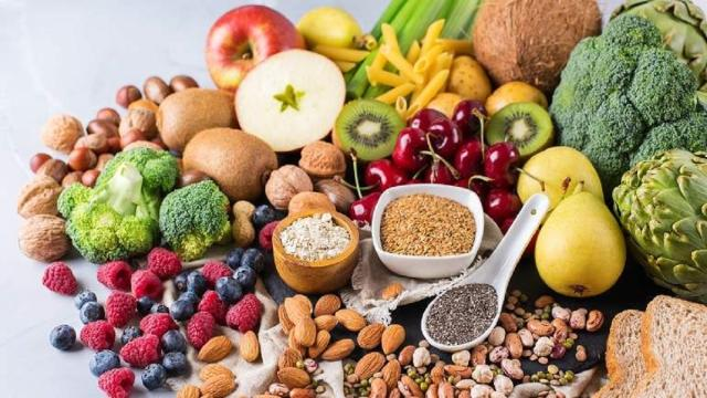 Es importante mantener una dieta saludable durante la cuarentena para no enfermar