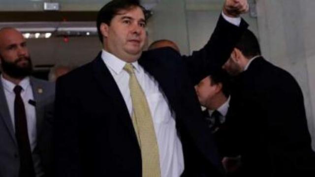 Rodrigo Maia critica uso do Parlamento em conflito entre Bolsonaro e governadores