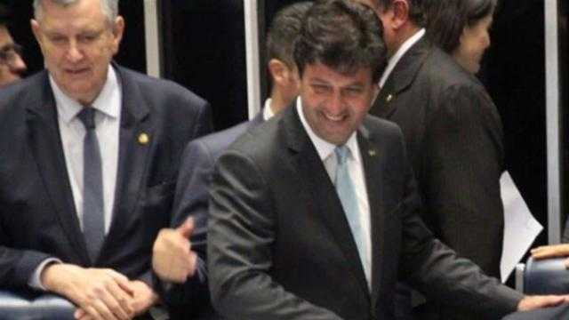 FHC defende permanência de Mandetta e diz que Bolsonaro não é o 'manda-chuva'