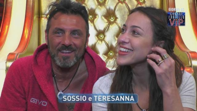 GF Vip, Sossio e Teresanna litigano sui social: Aruta replica 'Lingua biforcuta'