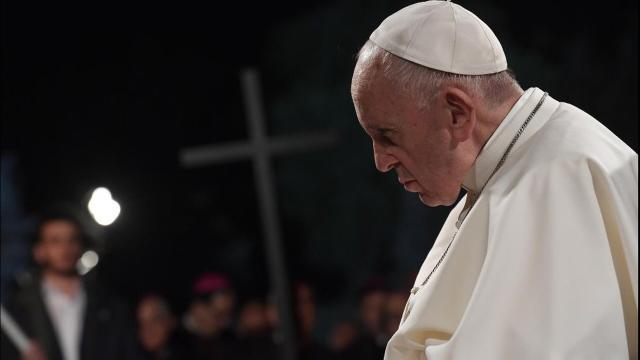 Liturgia della Veglia Pasquale: il Santo Padre impartisce alcune restrizioni