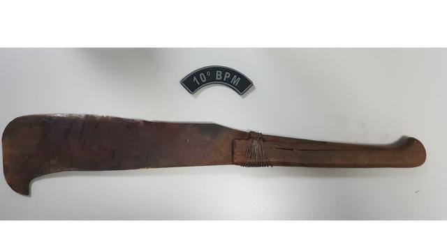 Homem é preso em MS suspeito de matar a mãe com golpes de facão
