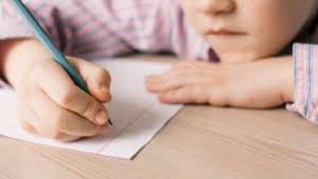 Les parents surprotecteurs freinent l'apprentissage de l'enfant