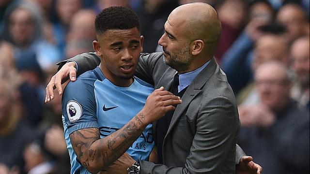 Il Manchester City non accetta la proposta della Juve: lo scambio Jesus - Douglas Costa