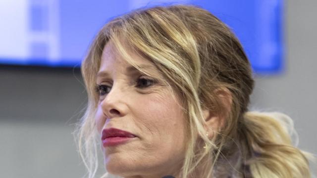 Alessia Marcuzzi criticata sui social per avere festeggiato la Pasqua in famiglia