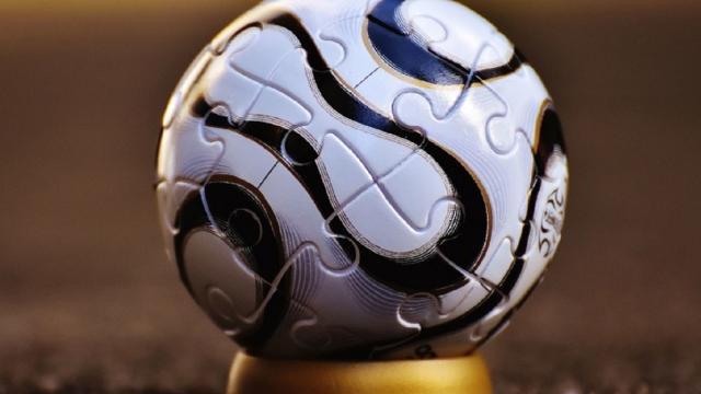 Calcio: per Cairo non è possibile la ripresa a maggio, 'Capitolazione per le Federazioni'