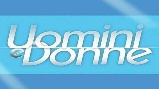 Uomini e Donne torna il 20 aprile: corteggiamenti al buio per Giovanna e Gemma