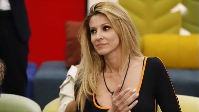 Gf Vip, Adriana Volpe rivela la gelosia del marito: 'Non si aspettava di vedermi così'