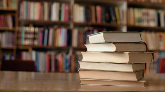 Domodossola, i libri vengono consegnati in bicicletta
