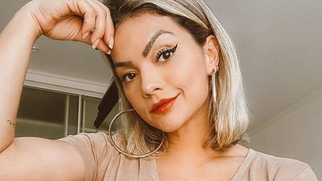 Kelly Key faz live com aula íntima para Gracyanne Barbosa