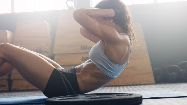 Fitness, cinque profili instagram per allenarsi a casa: da Kyala Itsines e Cassey Ho