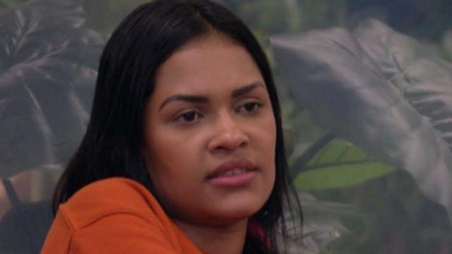 'Flay achava que eu e Daniel colamos na Má por ela ser forte lá fora', diz Ivy