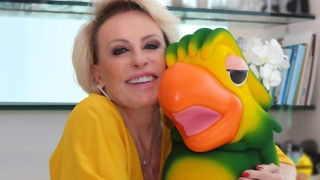 Apresentadora Ana Maria Braga comemora o retorno das gravações do