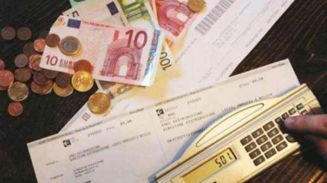 Enel Energia, bonus di 10 euro per i clienti che attivano Addebito diretto e Bolletta Web