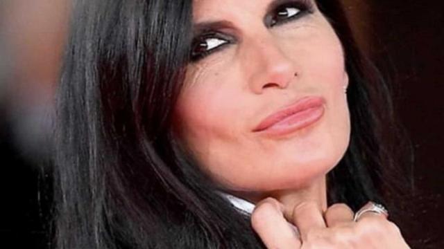 Pamela Prati annuncia l'uscita della sua autobiografia il 7 maggio
