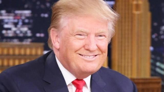 Donald Trump avrebbe intenzione di riaprire l'America l'1 maggio