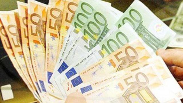 Decreto aprile, il Governo valuta bonus vacanza e aumento indennità per Partite Iva