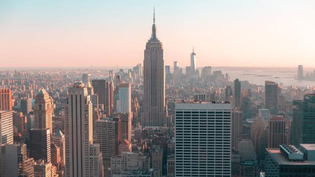 Manhattan ofrece un aspecto insólito con sus calles vacías por el coronavirus
