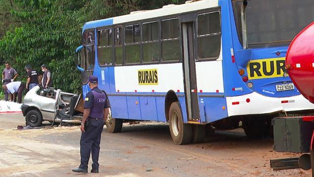 Acidente mata sete pessoas que estavam dentro de um Pálio no interior de SP