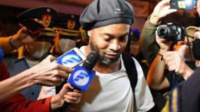 Ronaldinho Gaúcho: gerente de hotel fala sobre a rotina do craque
