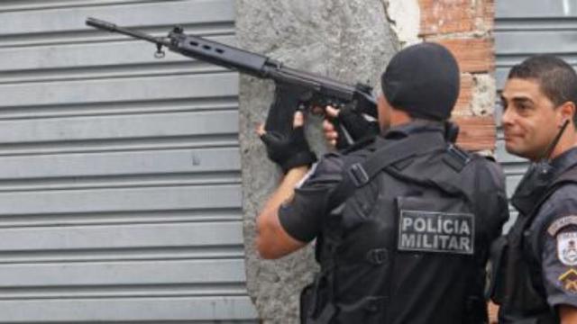 Homem é preso após realizar tentativa de roubo no Rio de Janeiro
