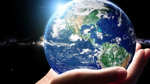 Earth day, il 22 aprile si celebrano i cinquant'anni: festeggiamenti virtuali