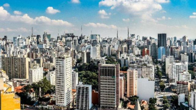 Homem morre após roubar e trocar tiros com a polícia em São Paulo