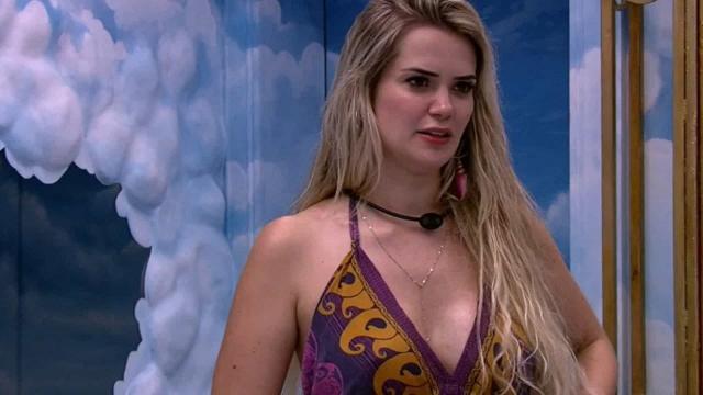 'BBB20': Marcela declara toda sua torcida para Thelma
