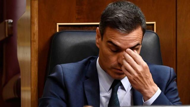 Sánchez rebajará el confinamiento total a mediados de mayo