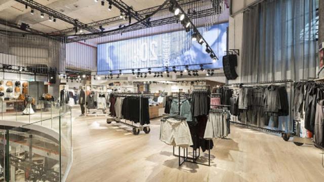 Las tiendas de ropa usarán medidas como pulverizar los probadores con desinfectante