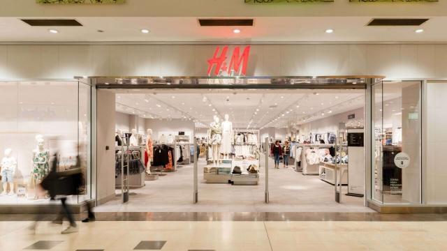 Bari, la catena di abbigliamento H&M chiude il negozio multipiano in via Sparano